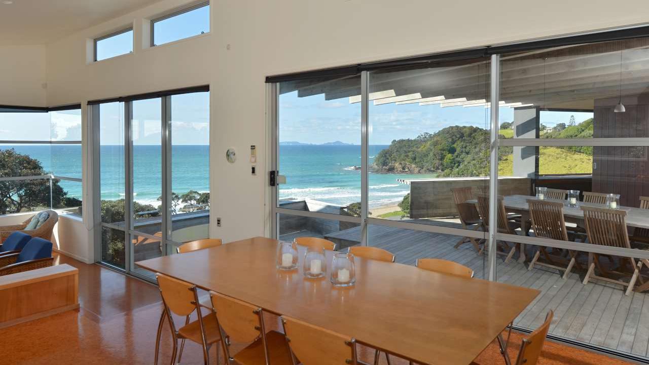 Additional photo for property listing at Better than waterfront in Sandy Bay Whangarei, ニュージーランド