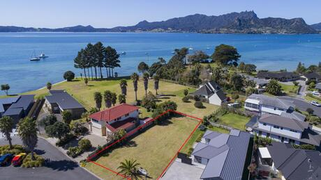 6 Aarts Place, One Tree Point