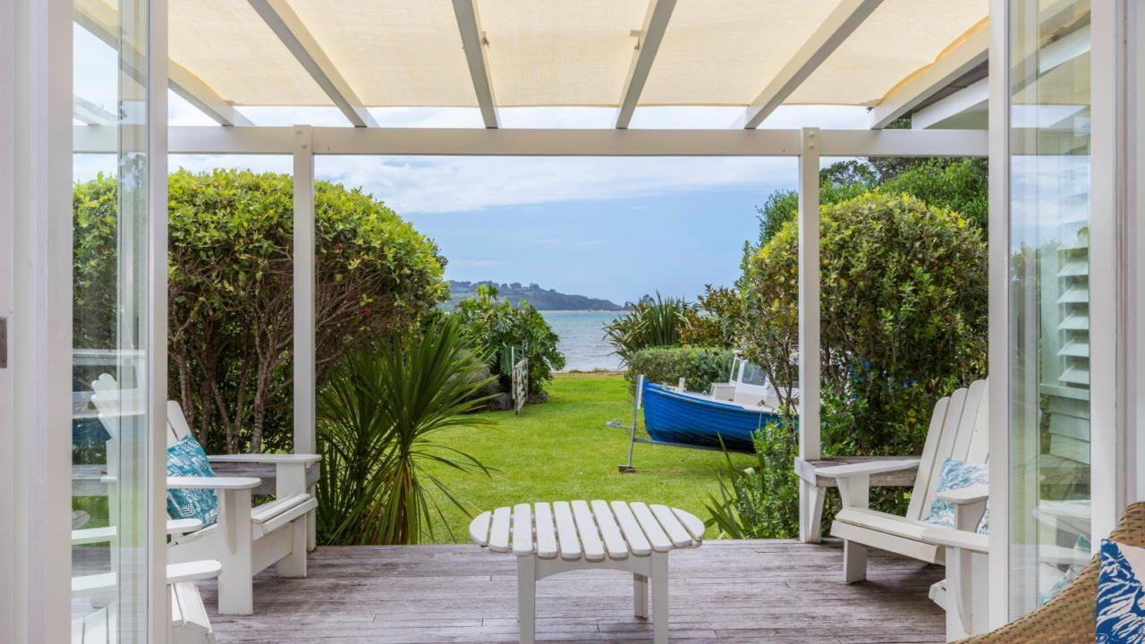 52 Harbour View Road, Point Wells