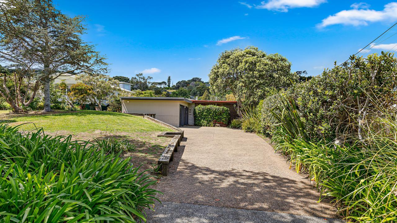 39 Grand View Road, Matheson Bay