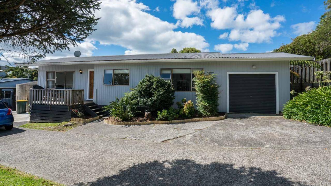 39A Brian Crescent, Stanmore Bay