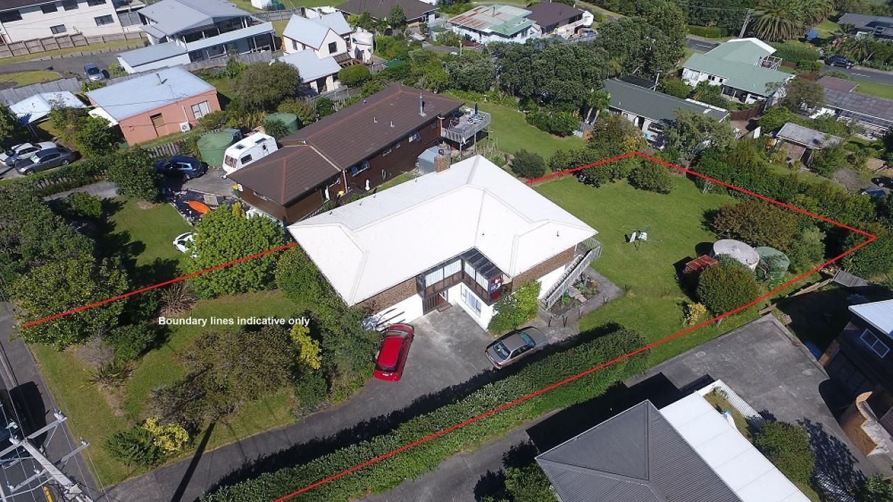 1028 Whangaparaoa Road, Matakatia