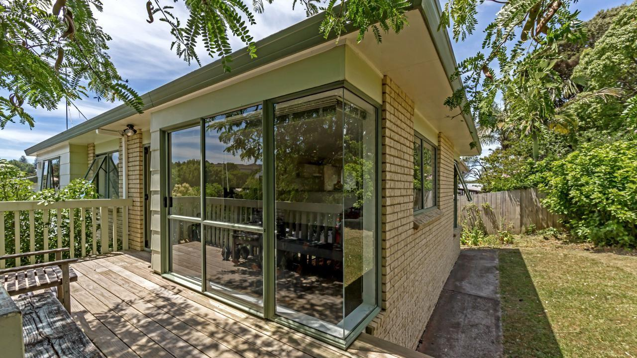 1 Shadon Place, Stanmore Bay