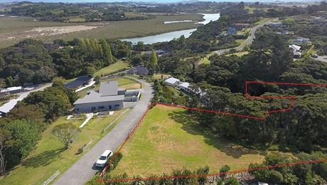 299 Whangaparaoa Road, Red Beach