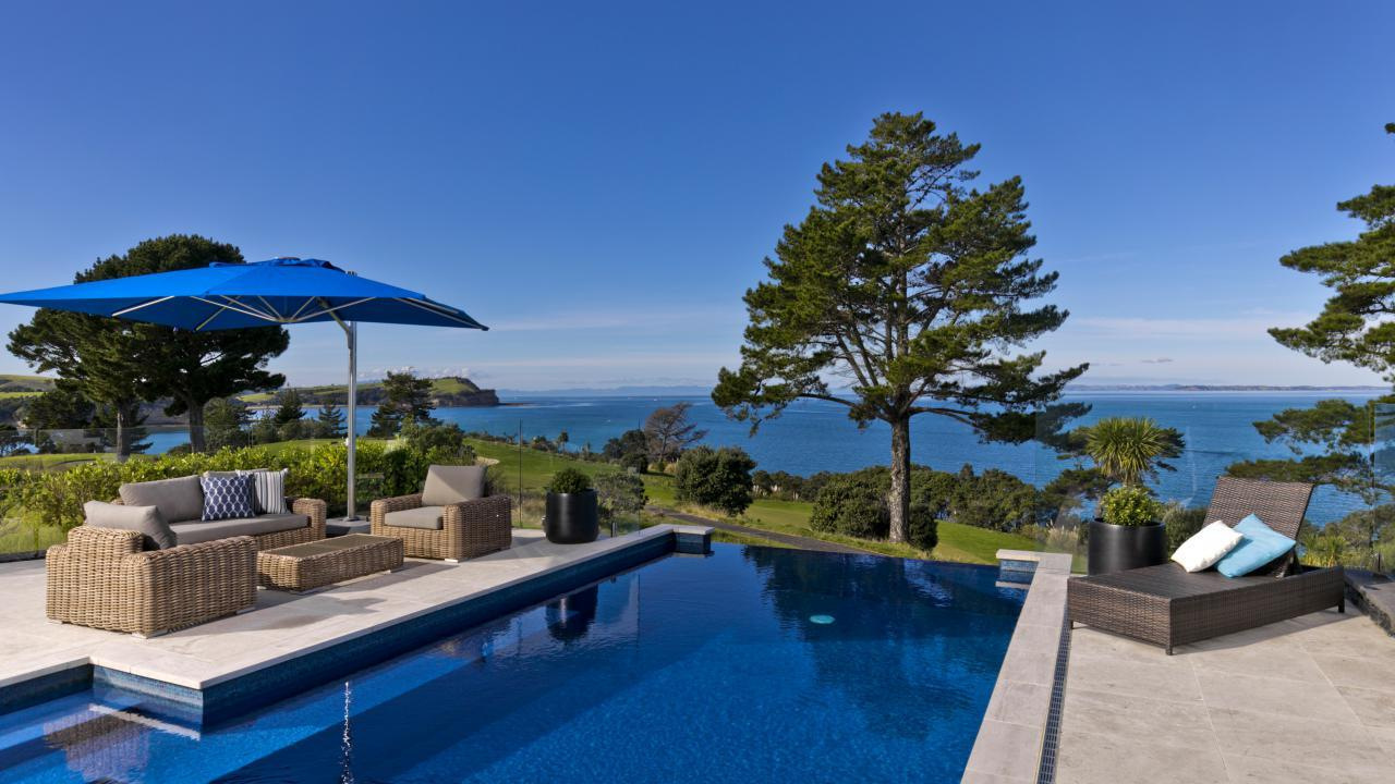 8 Pacific Cliffs Drive, Gulf Harbour