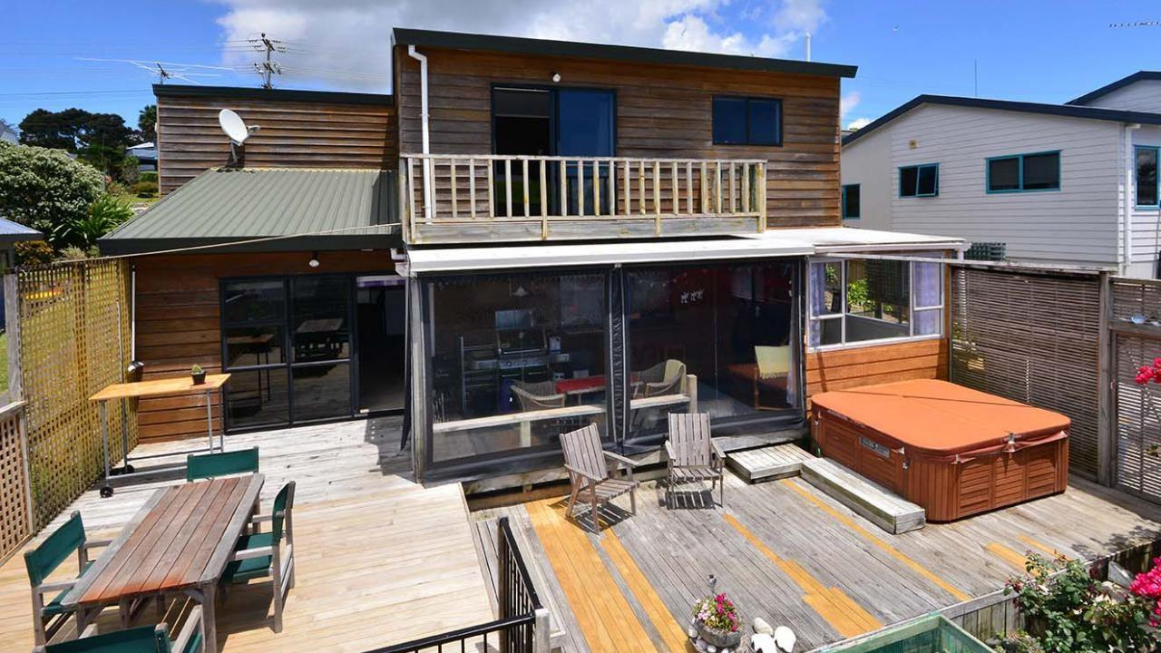 64 Waiora Road, Stanmore Bay