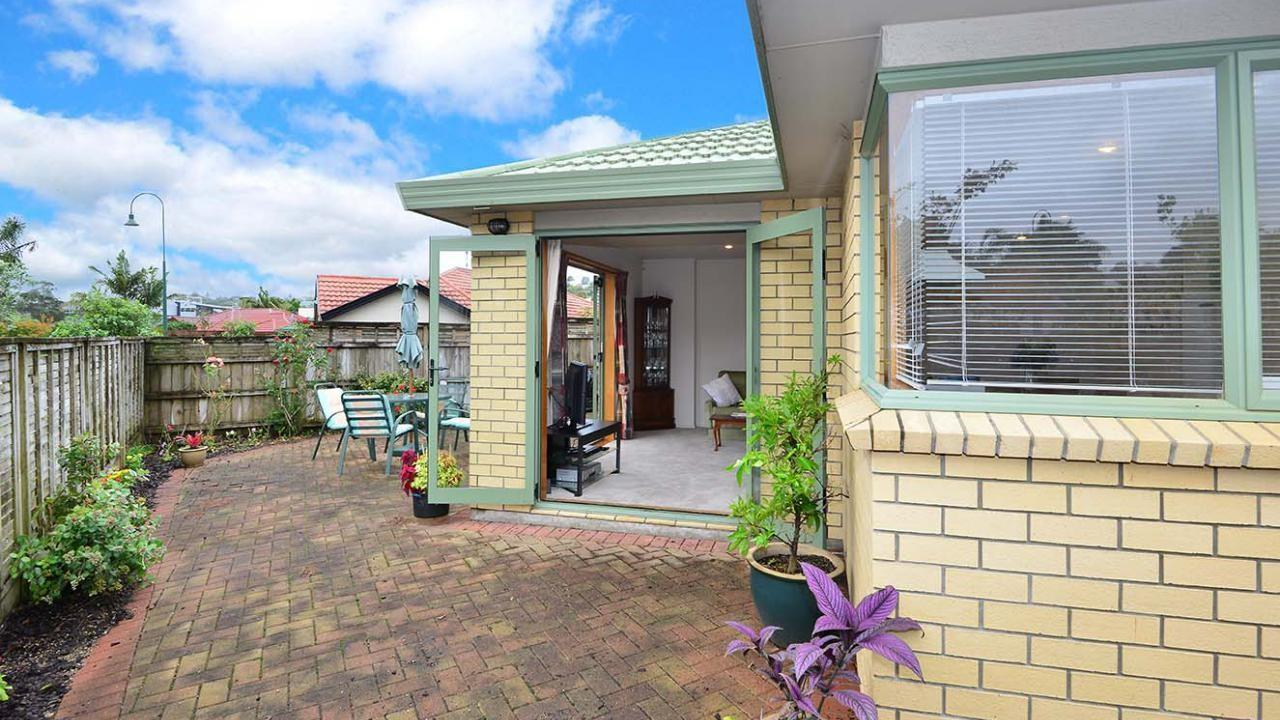 12 Red Hibiscus Road, Stanmore Bay