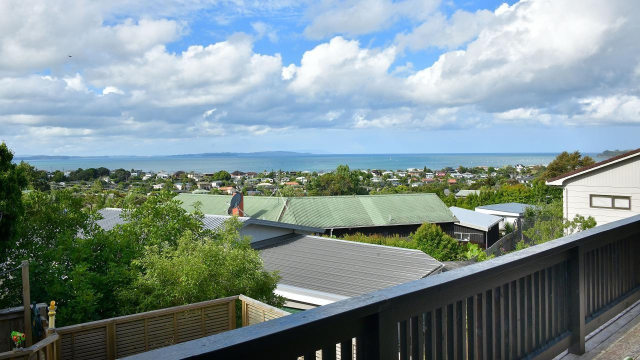 47B Elliston Cres, Stanmore Bay