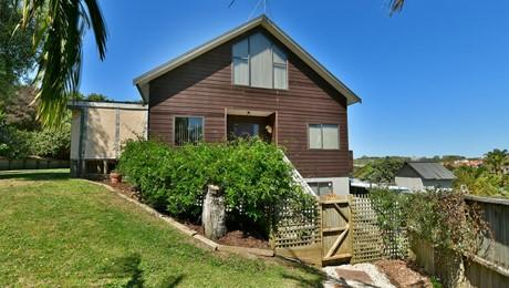2 Astrolabe Place, Gulf Harbour