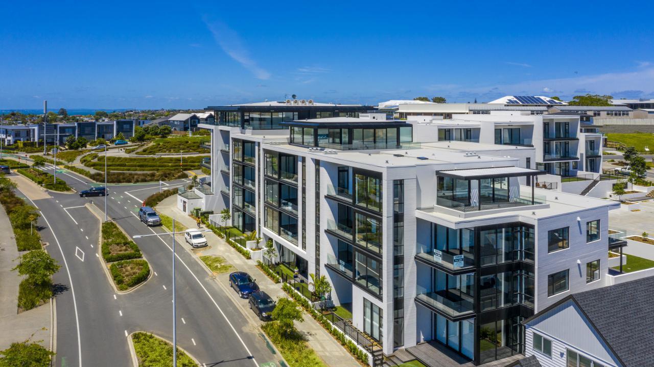 Apartment 305 Beach and Cavalli Apartments, Long Bay