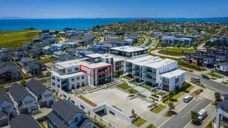 Apartment 403 Beach and Cavalli Apartments, Long Bay