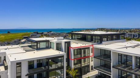 Apartment 405 Beach and Cavalli Apartments, Long Bay