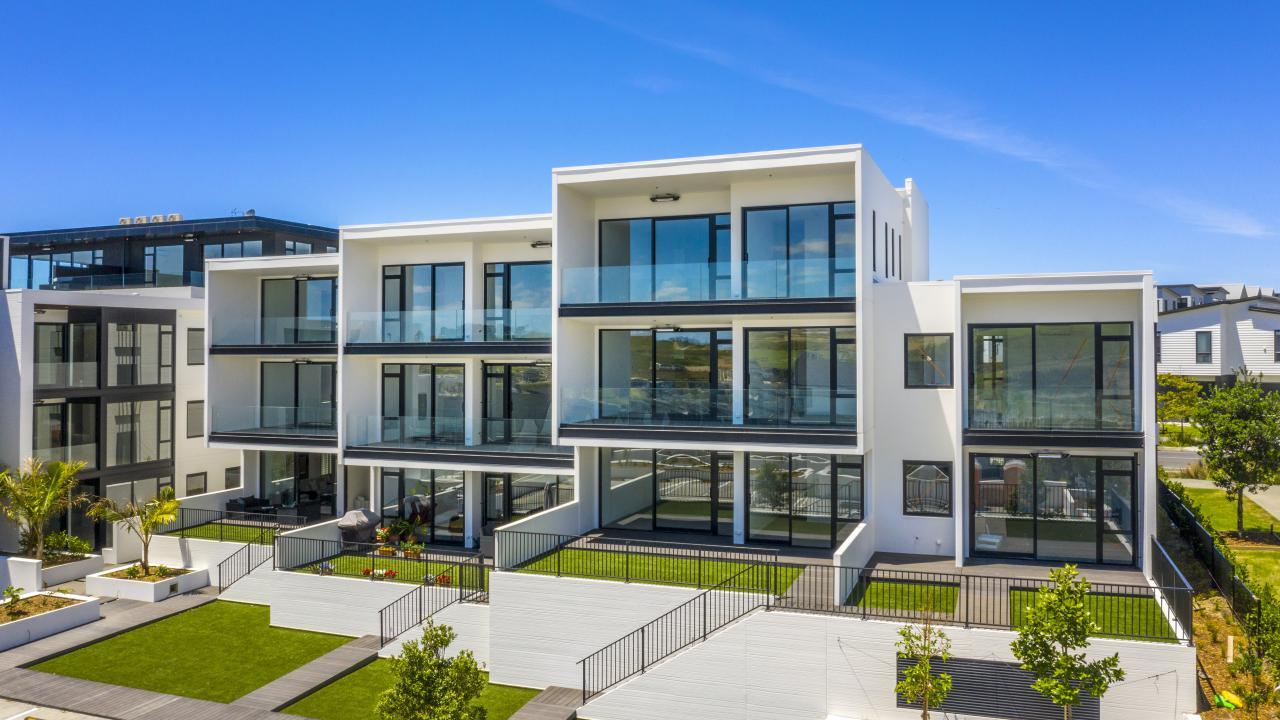 Apartment 501 Beach and Cavalli Apartments, Long Bay