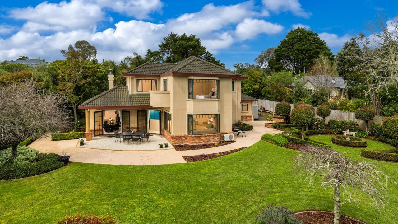 2 Almond Grove, Greenhithe
