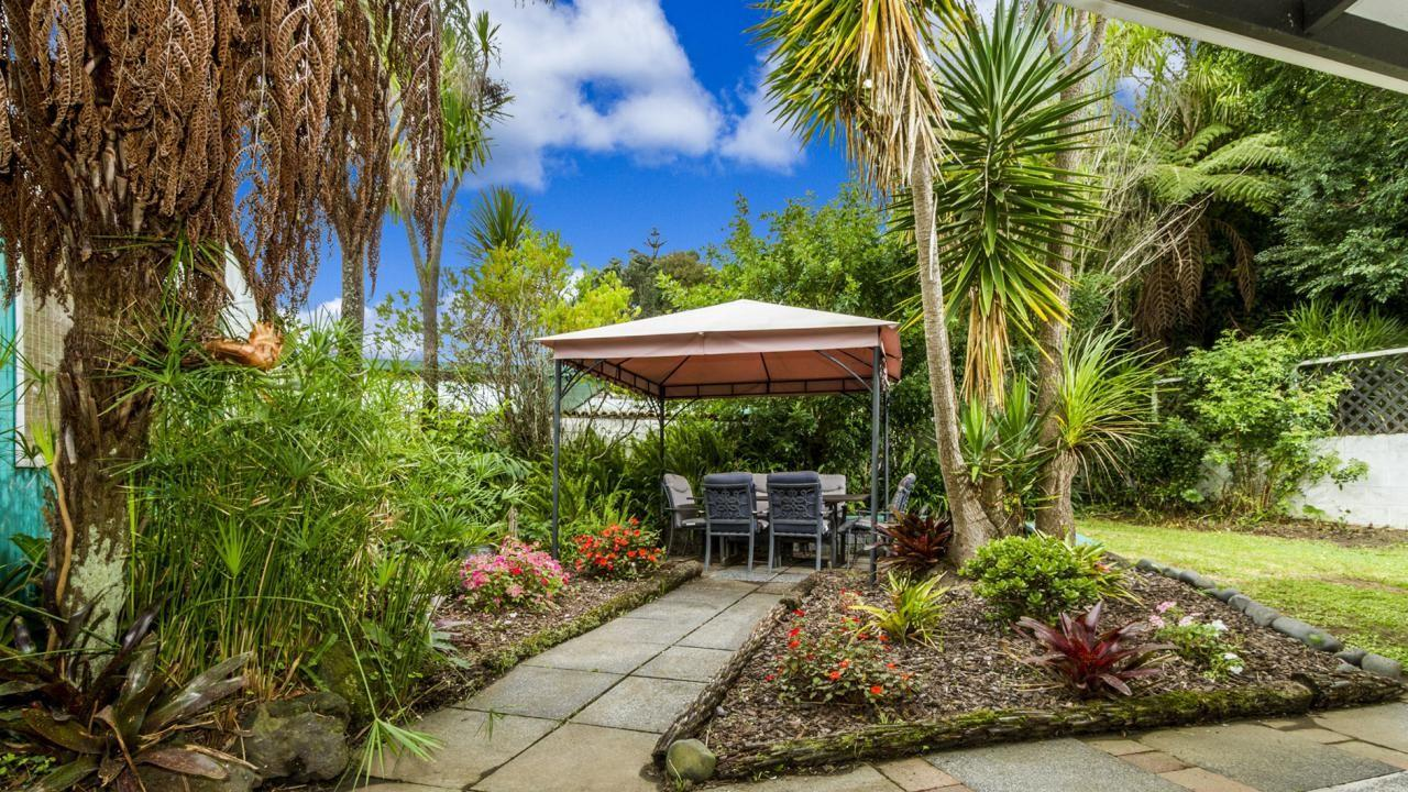 40 Stapleford Crescent, Browns Bay