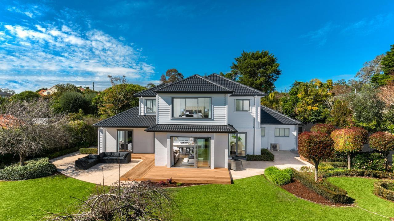 2 Almond Grove , Greenhithe