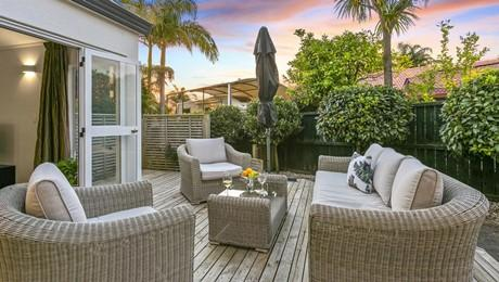 16 Waipuia Place, Greenhithe