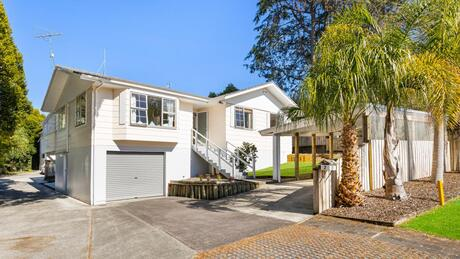 2 Regatta Road, Torbay
