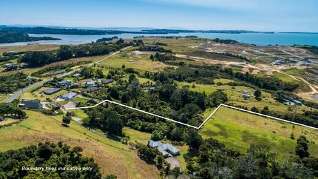 106 Vaughans Road, Long Bay