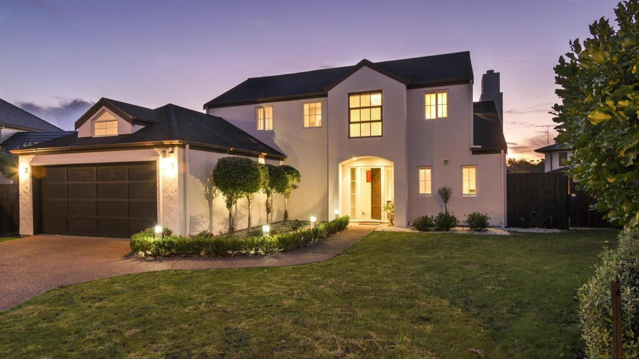 7 Red Oak Place, Albany