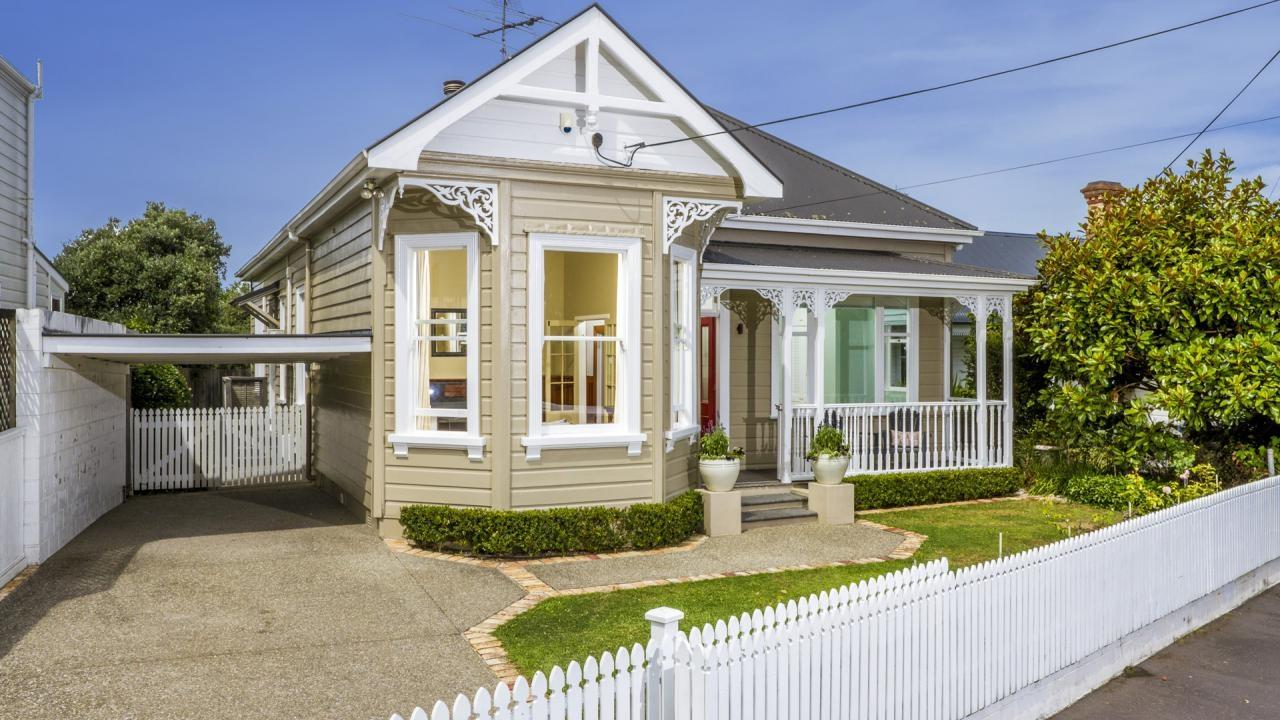 109 Queen Street, Northcote Point