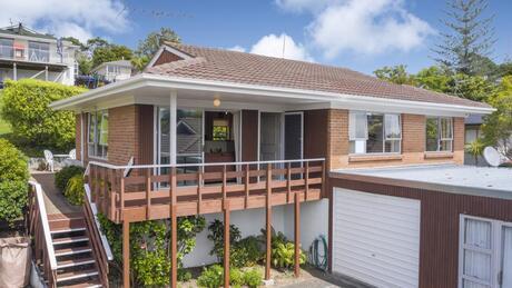 2/82 Newhaven Terrace, Mairangi Bay