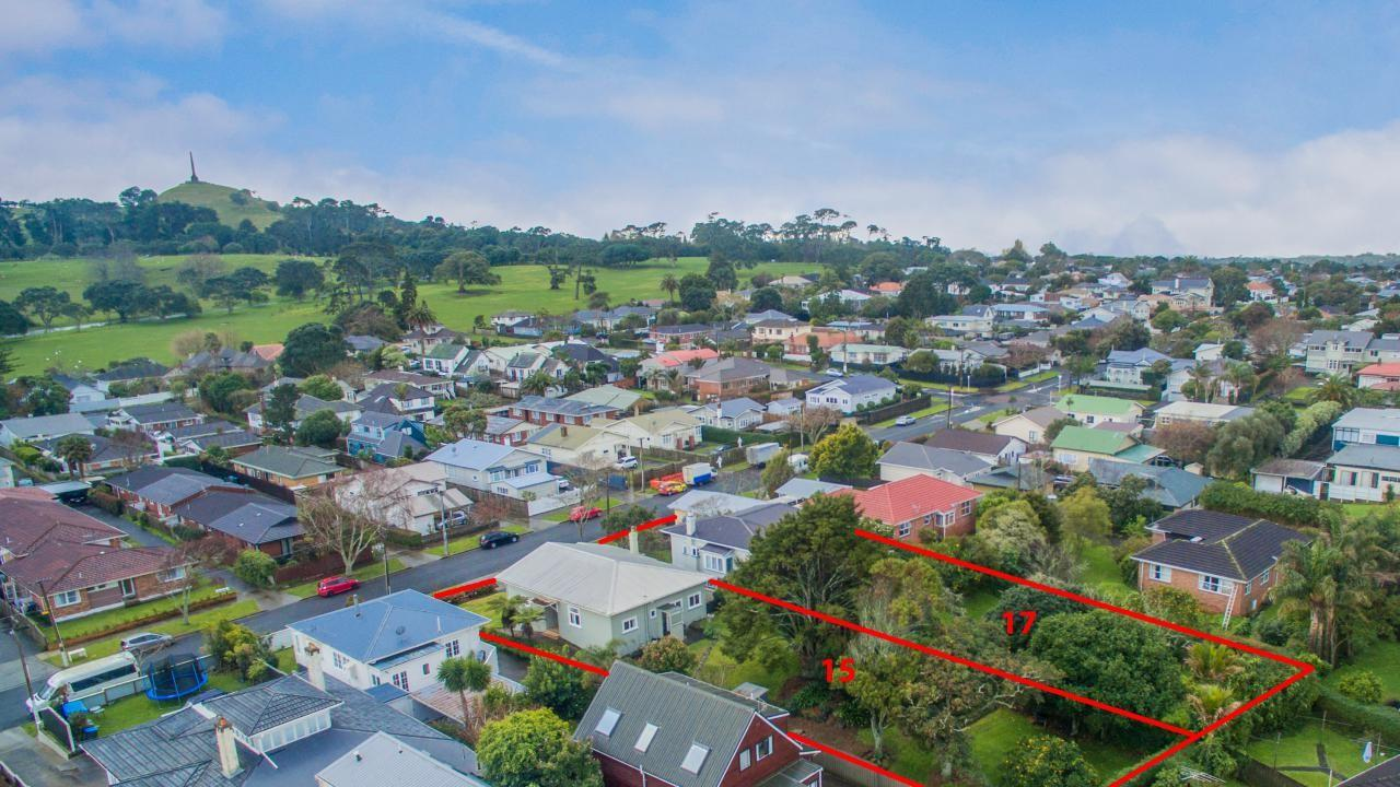 15 and 17 Amaru Road, One Tree Hill