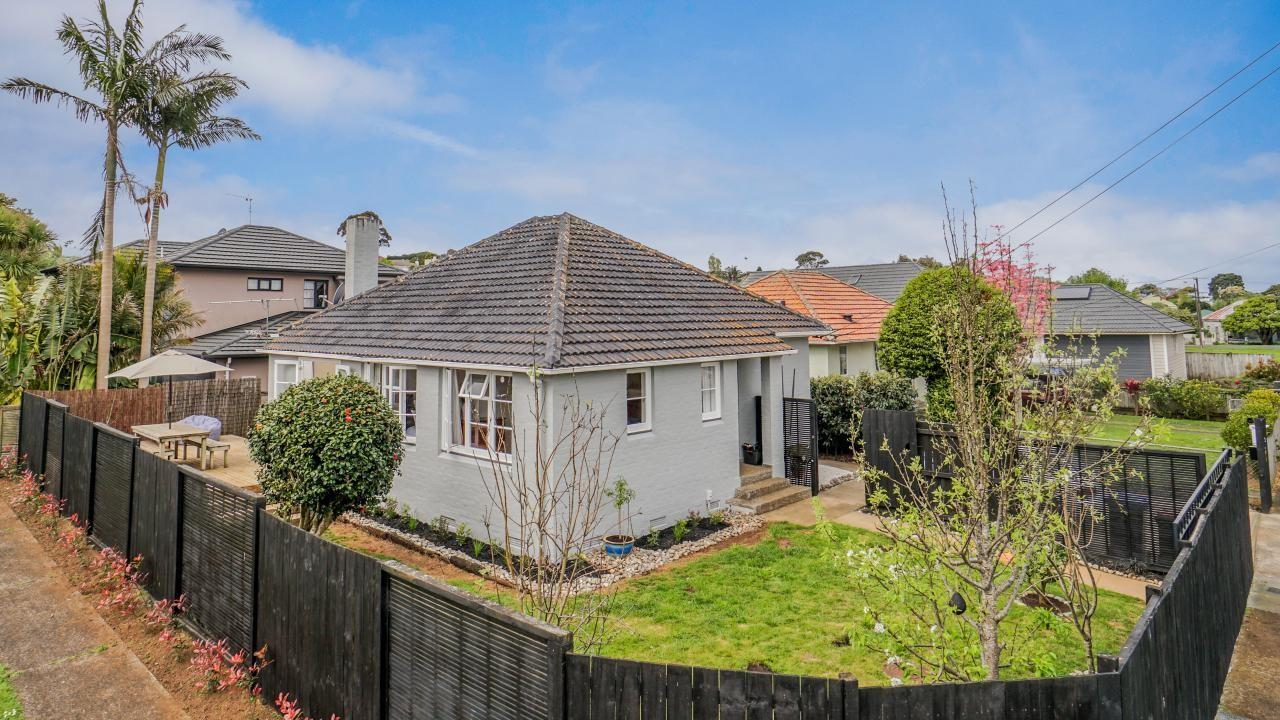9 Brookfield Avenue, Onehunga