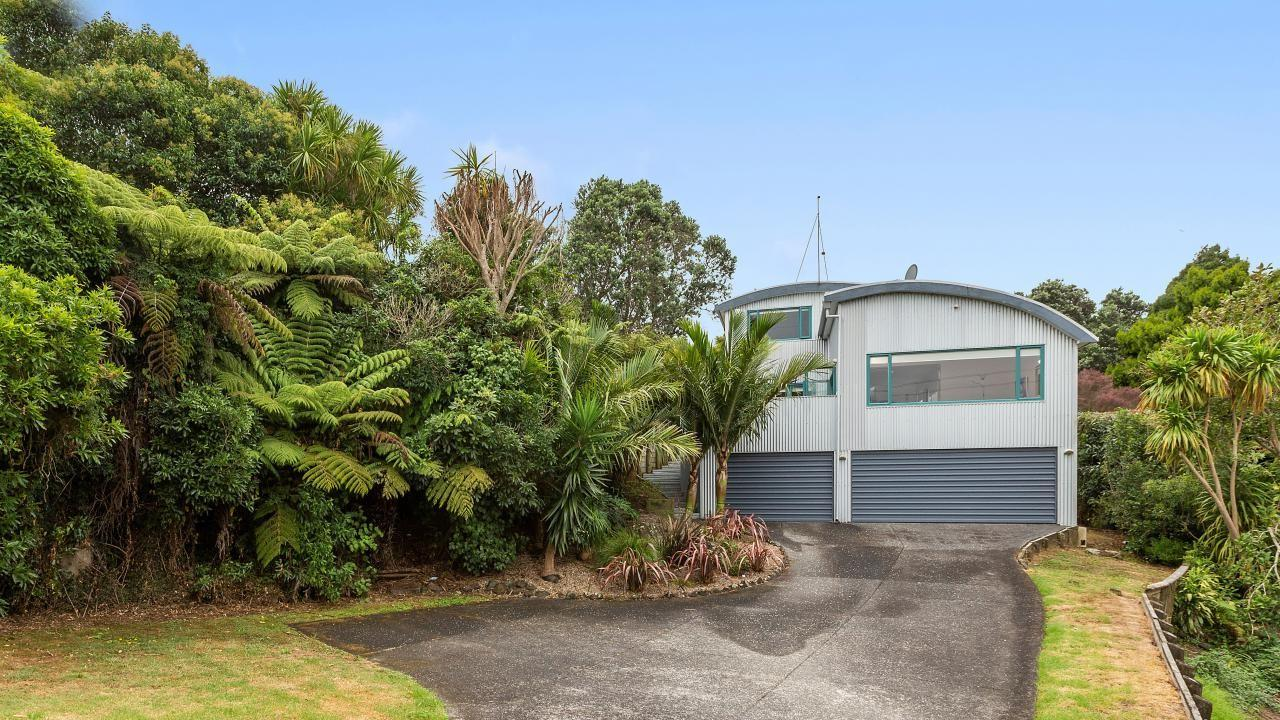 2 Ben James Drive, Hillsborough