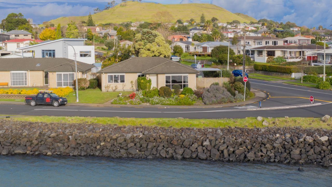 50A Kiwi Esplanade, Mangere Bridge