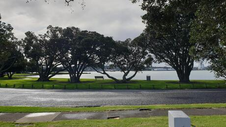 27 Kiwi Esplanade, Mangere Bridge