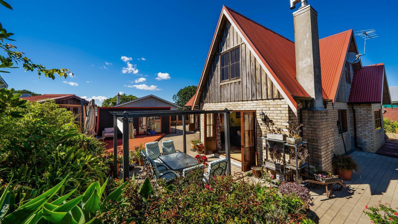 18B Mountain Road, Mt Wellington