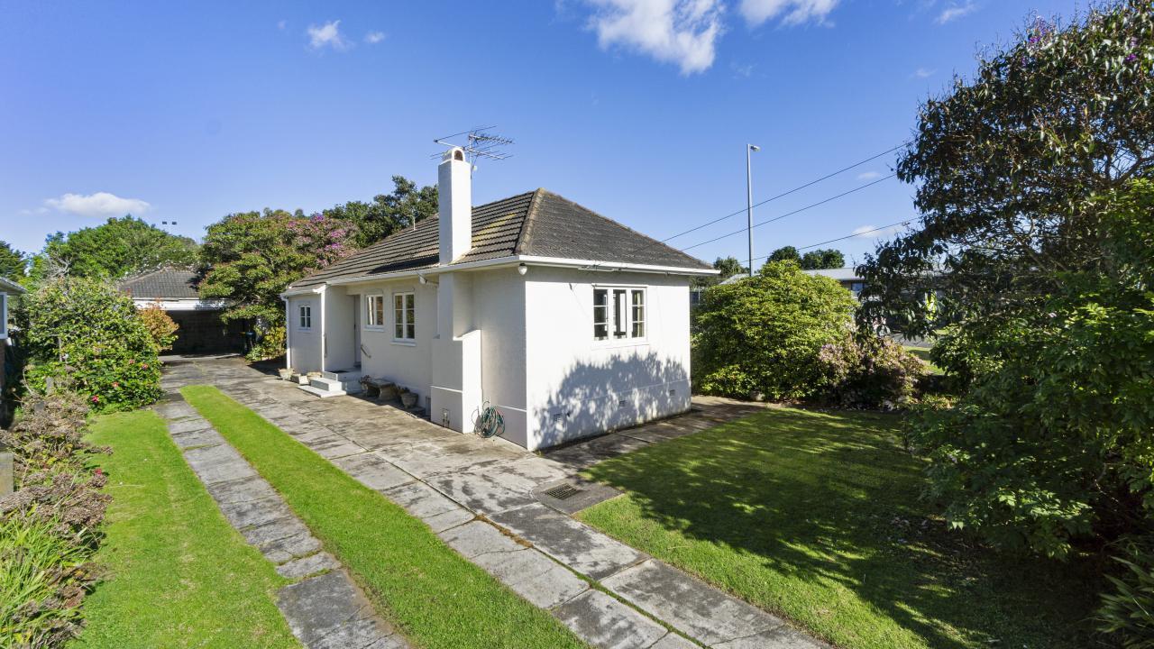 14 Leonard Road, Mt Wellington