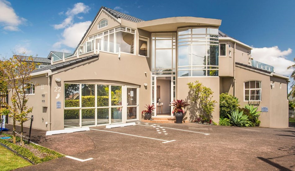 Full site and great potential on the golden mile 22 for 3 kitchener road takapuna