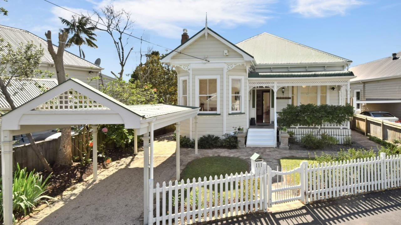 111 Queen Street, Northcote Point