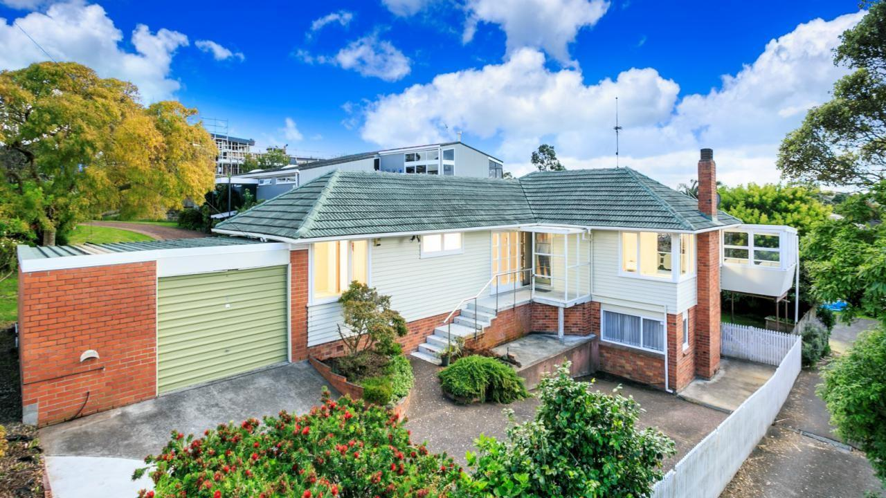 85 Raleigh Road, Northcote Central