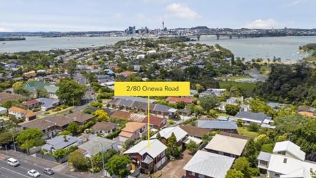 2/80 Onewa Road, Northcote Point