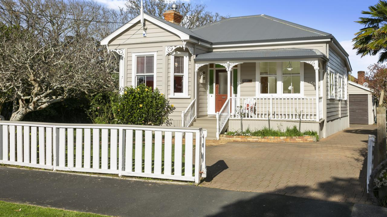 12 Vincent Road, Northcote Point