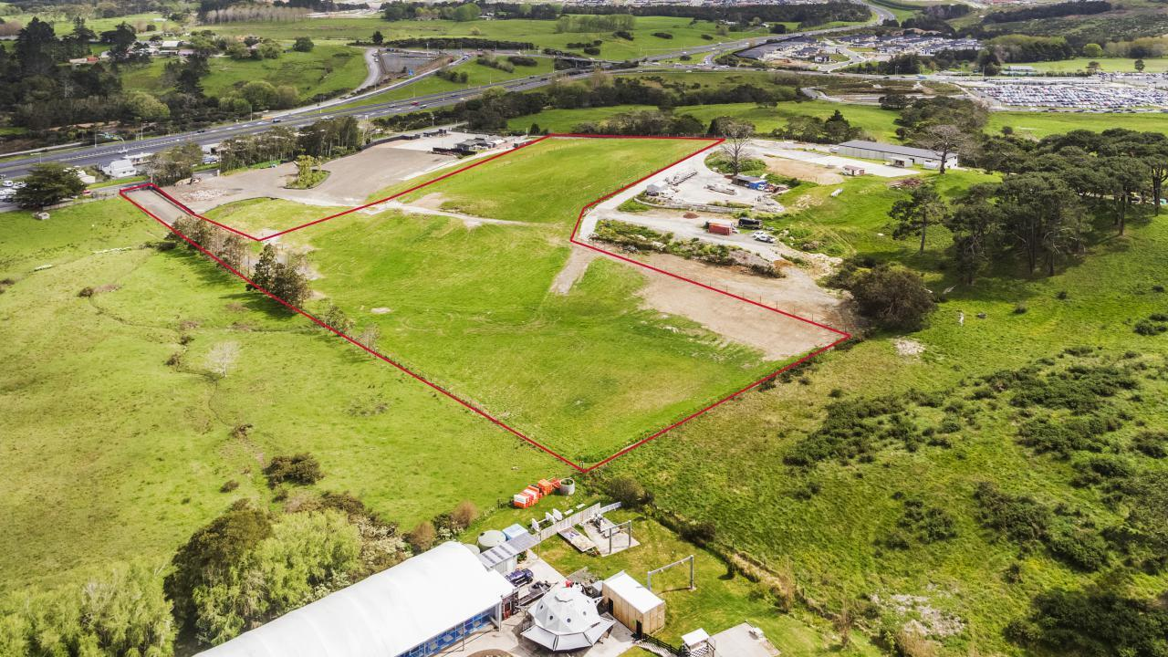 53 Small Road, Silverdale