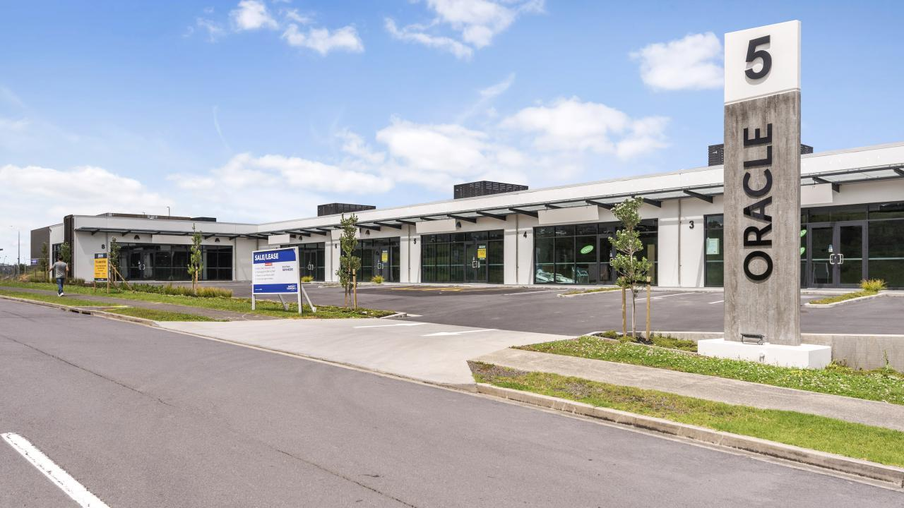 5 and 6/5 Oracle Drive, Albany