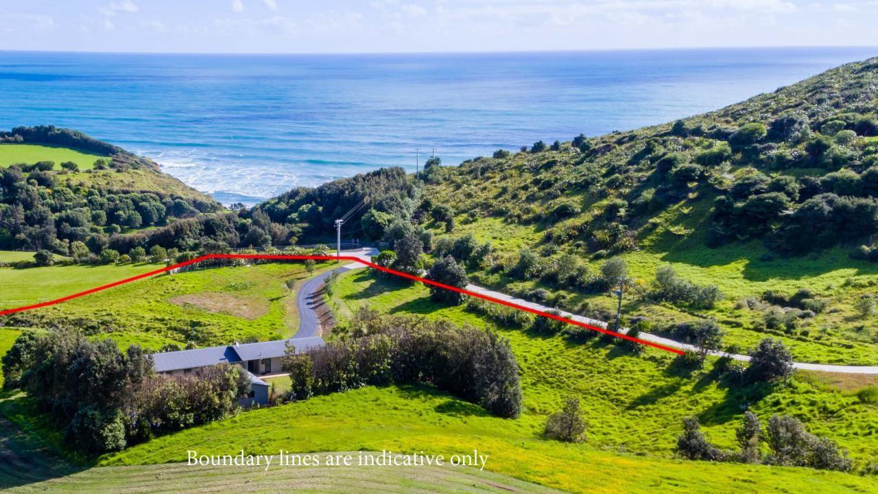 477 Oaia Road, Muriwai Beach