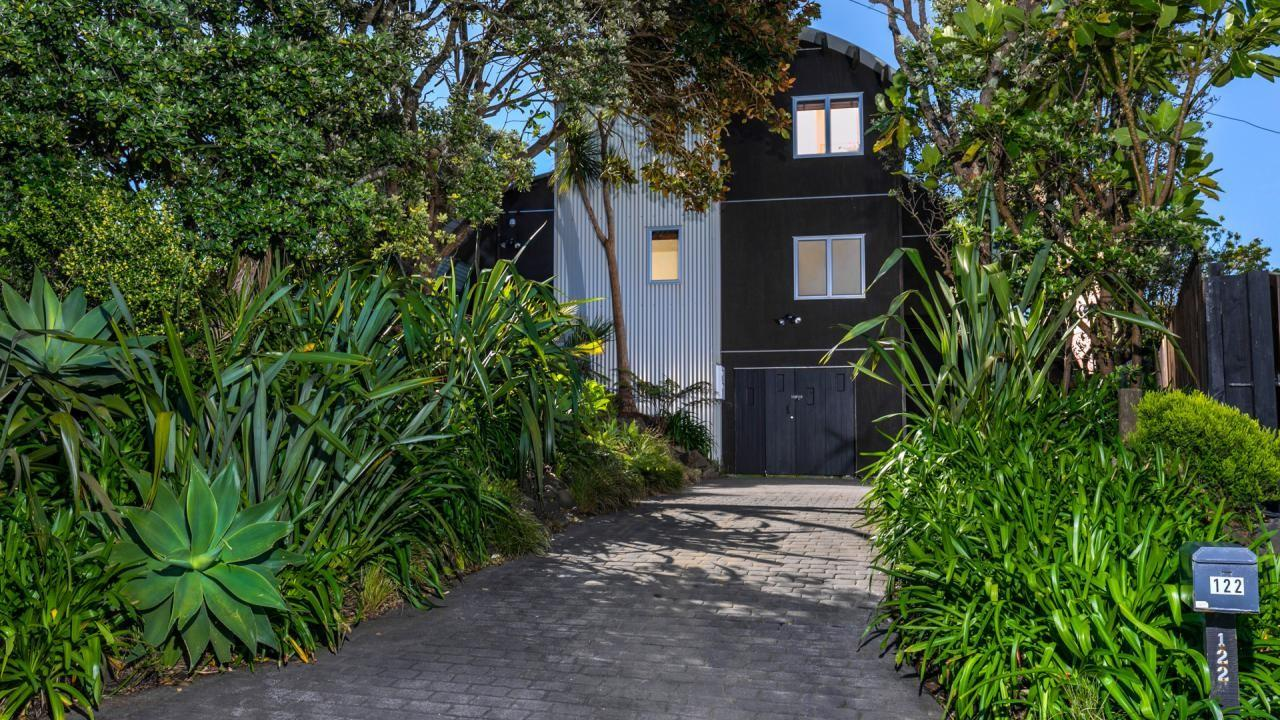 122 Waitea Road, Muriwai Beach