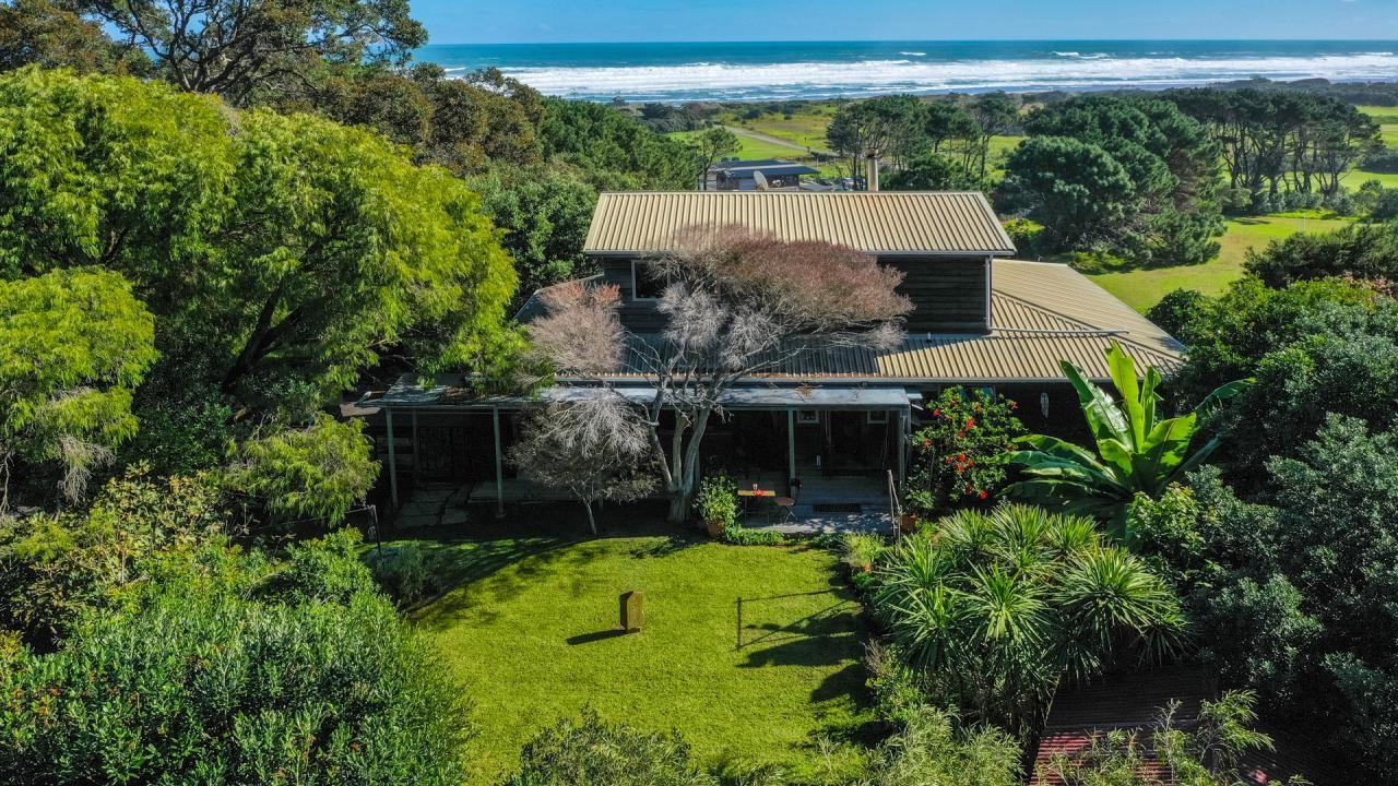 393 Motutara Road, Muriwai Beach