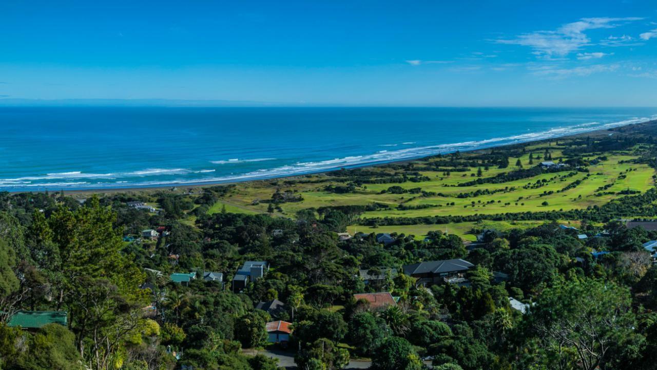 229 Oaia Road, Muriwai Beach
