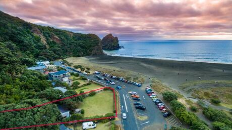 64 Beach Valley Road, Piha
