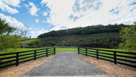 694 Peak Road, Helensville