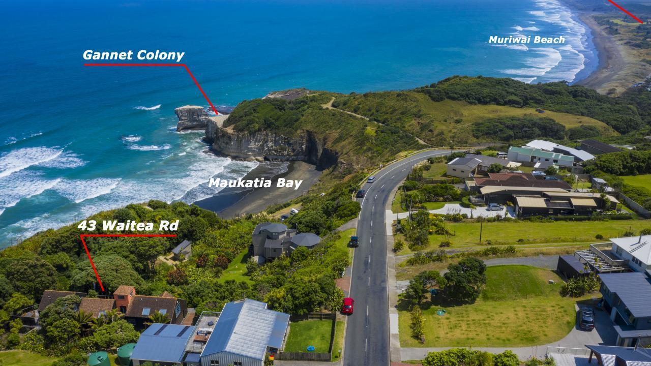 43 Waitea Road, Muriwai Beach