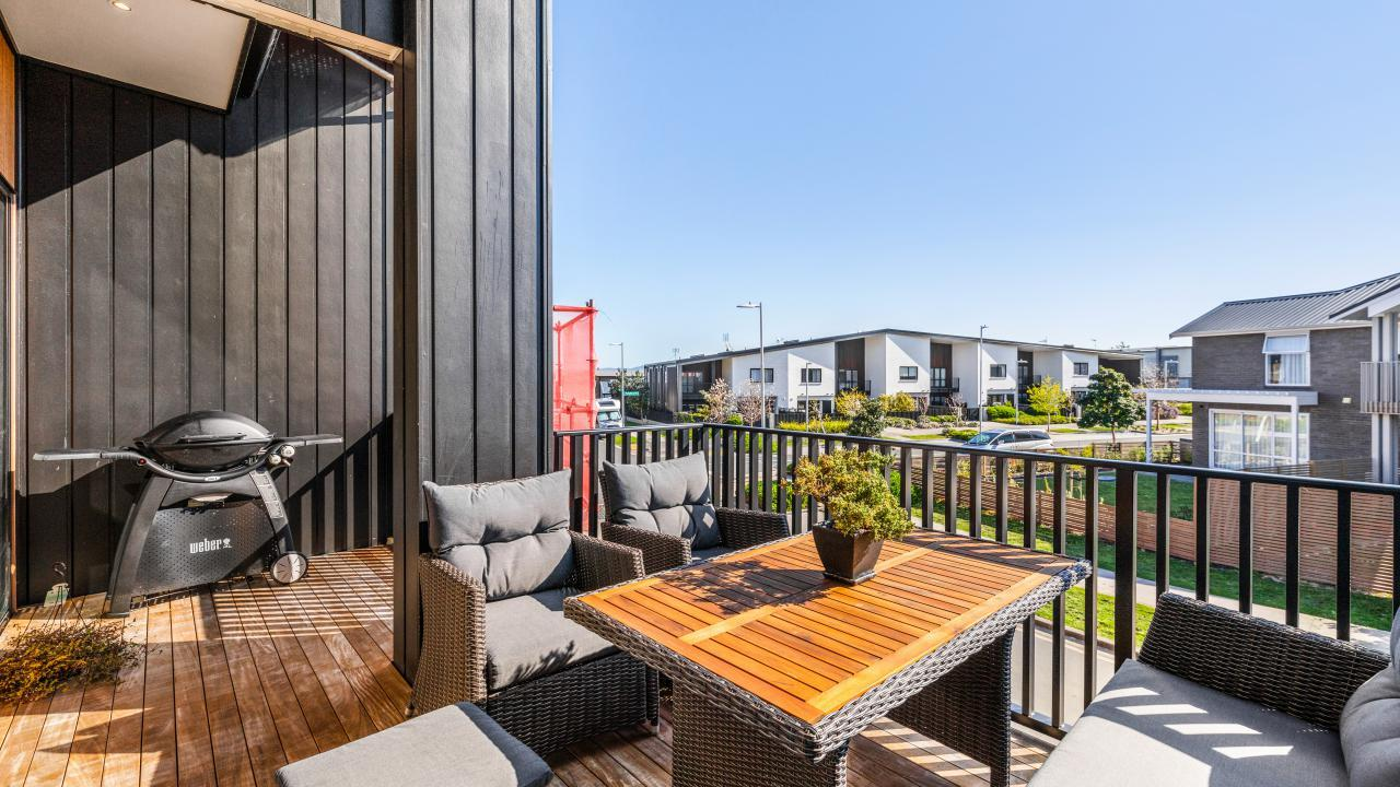 87 Bomb Point Drive, Hobsonville Point