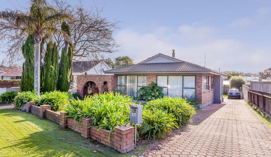 1970 39 s family home plus income 3 palm court drive glen eden bayleys realty group
