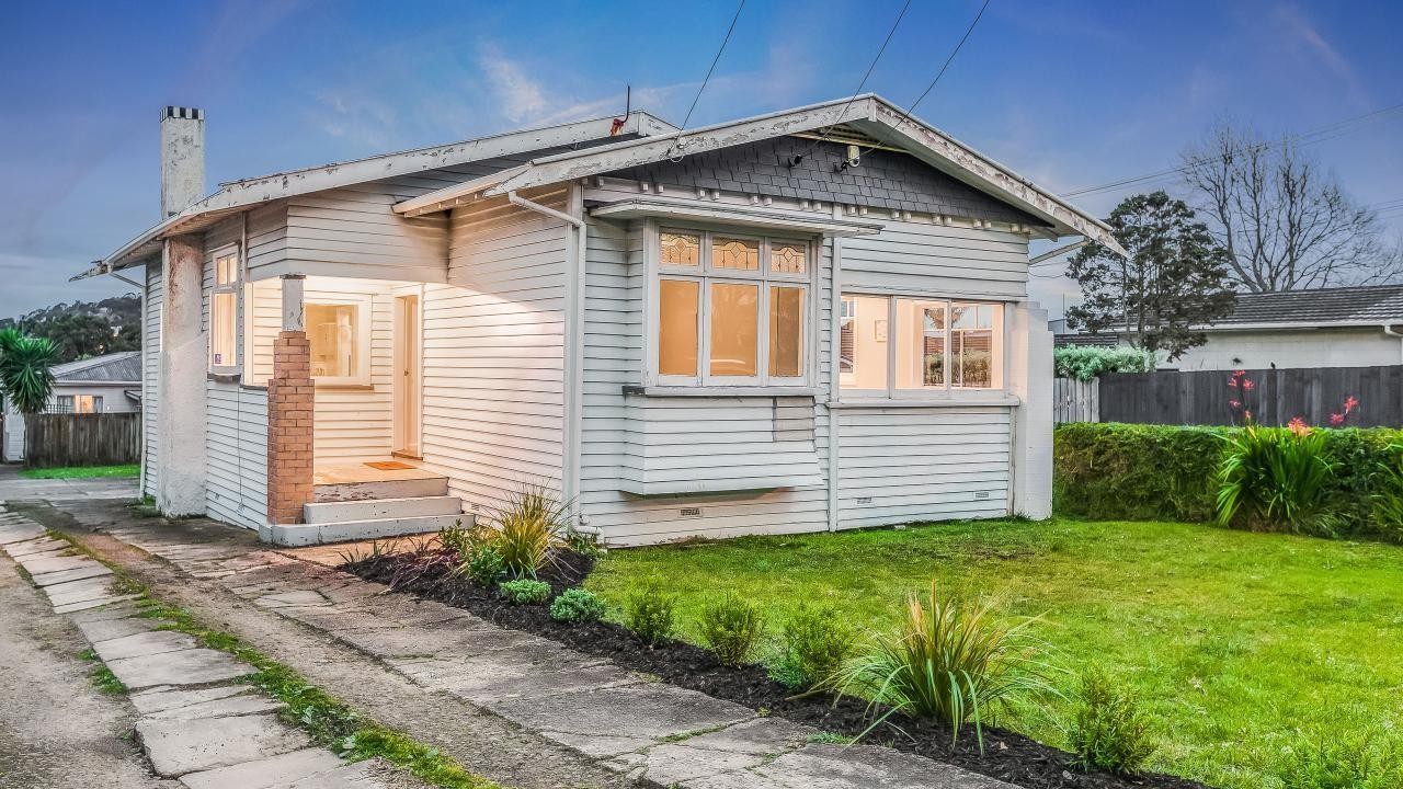 1584 Great North Road, Waterview